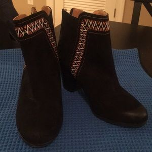 Qupid Embroidery Booties 6.5